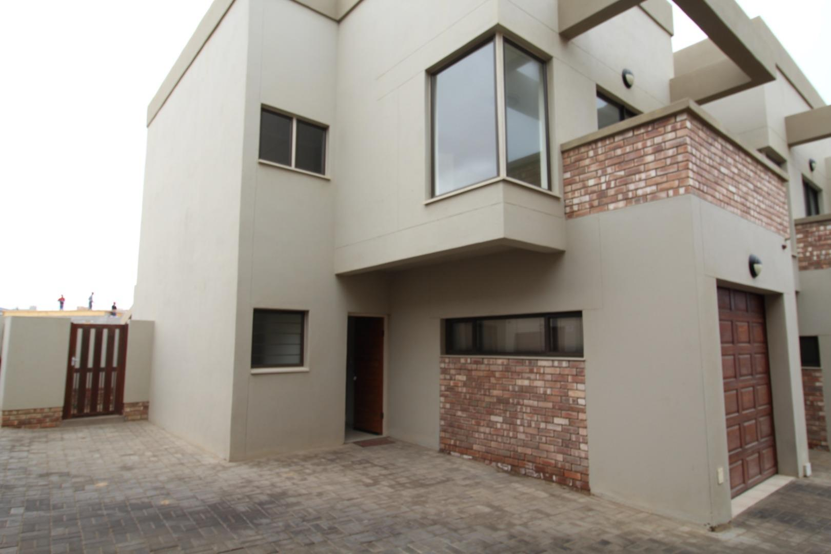 2 Bedroom Townhouse for Sale in Mile 4 Ext 1, Swakopmund - Erongo