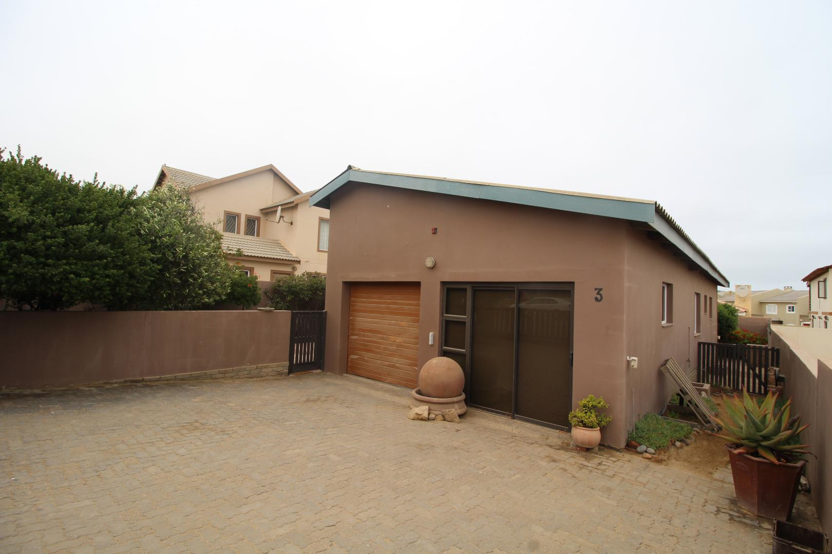 2 Bedroom House for Sale in Mile 4 Ext 1, Swakopmund - Erongo