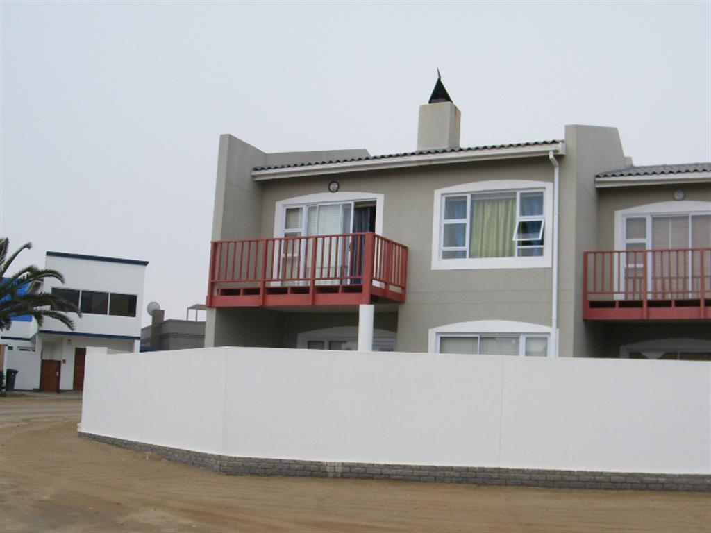 3 Bedroom Townhouse for Sale in Mile 4 Ext 1, Swakopmund - Erongo