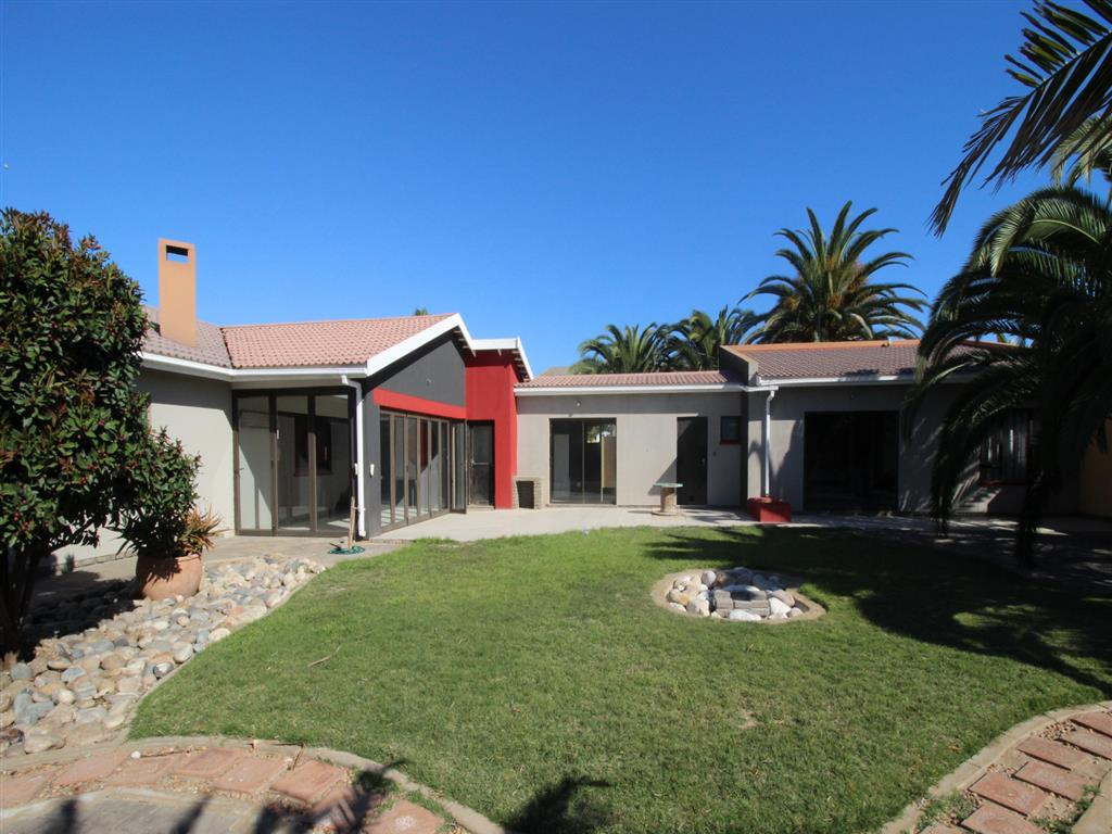 3 Bedroom House + Cottage/Flat for Sale in Hage Heights, Swakopmund - Erongo