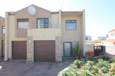 3 Bedroom Townhouse for Sale in Dolfynstrand, Walvis Bay - Erongo